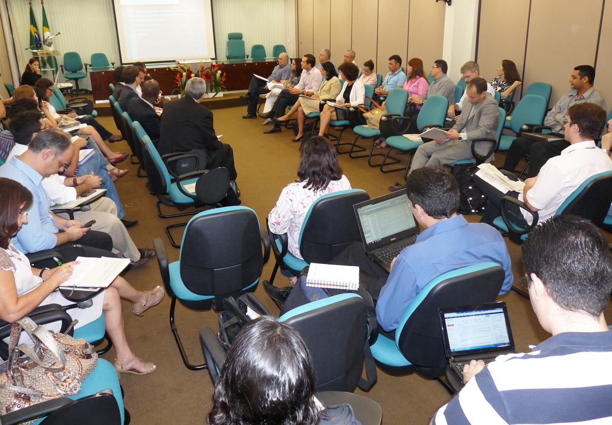 Diretores do Banco Mundial iniciam encontros sobre operação SWAP