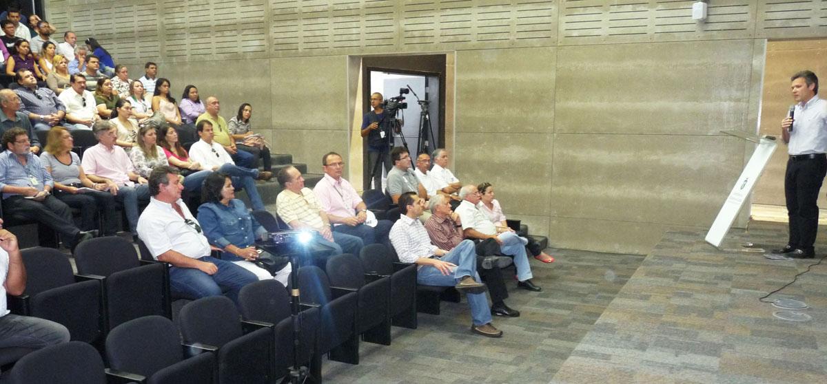 Setor agropecuário visita obras do Estádio Castelão