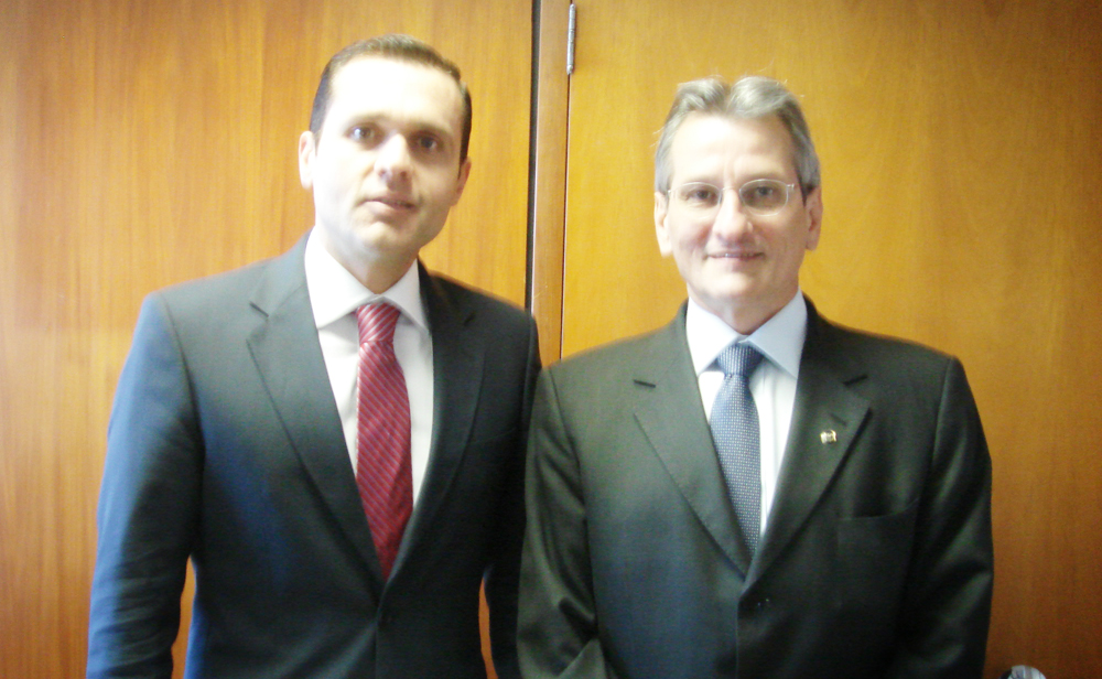 Secretário da Seplag reúne-se com Frente Parlamentar