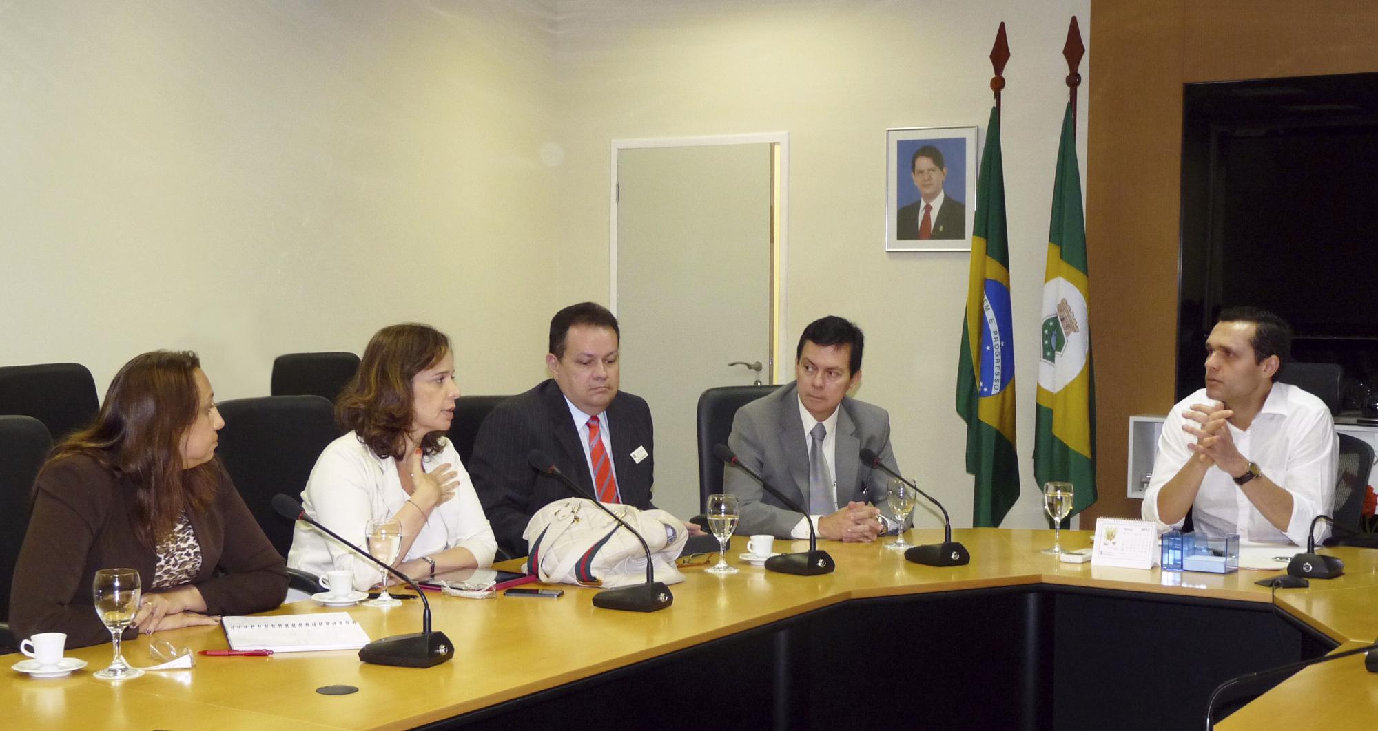 SEPLAG reúne Bradesco e CEF para avaliar consignados