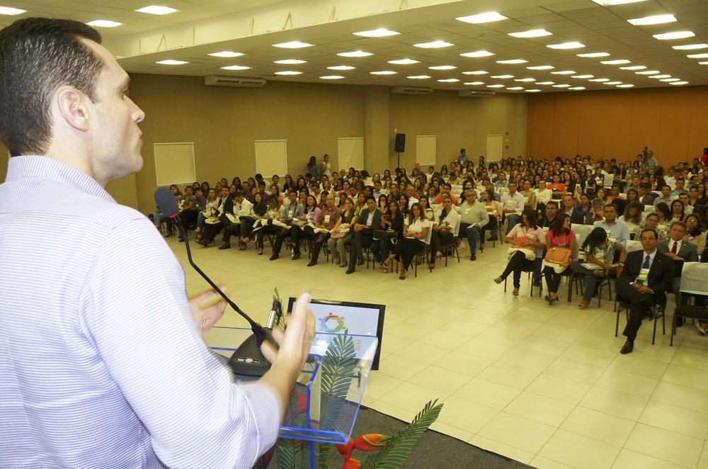 Secretário fala na abertura do Congresso da ABRH Ceará