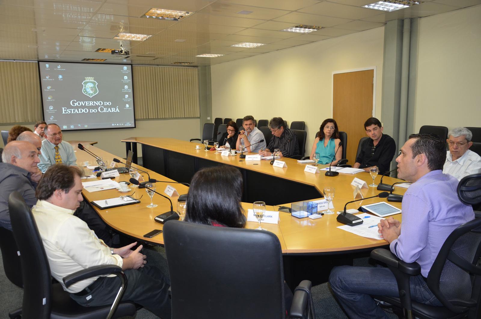 Secretário debate inovação com consultores de Israel