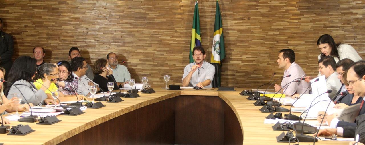 Governador autoriza realização de concursos públicos