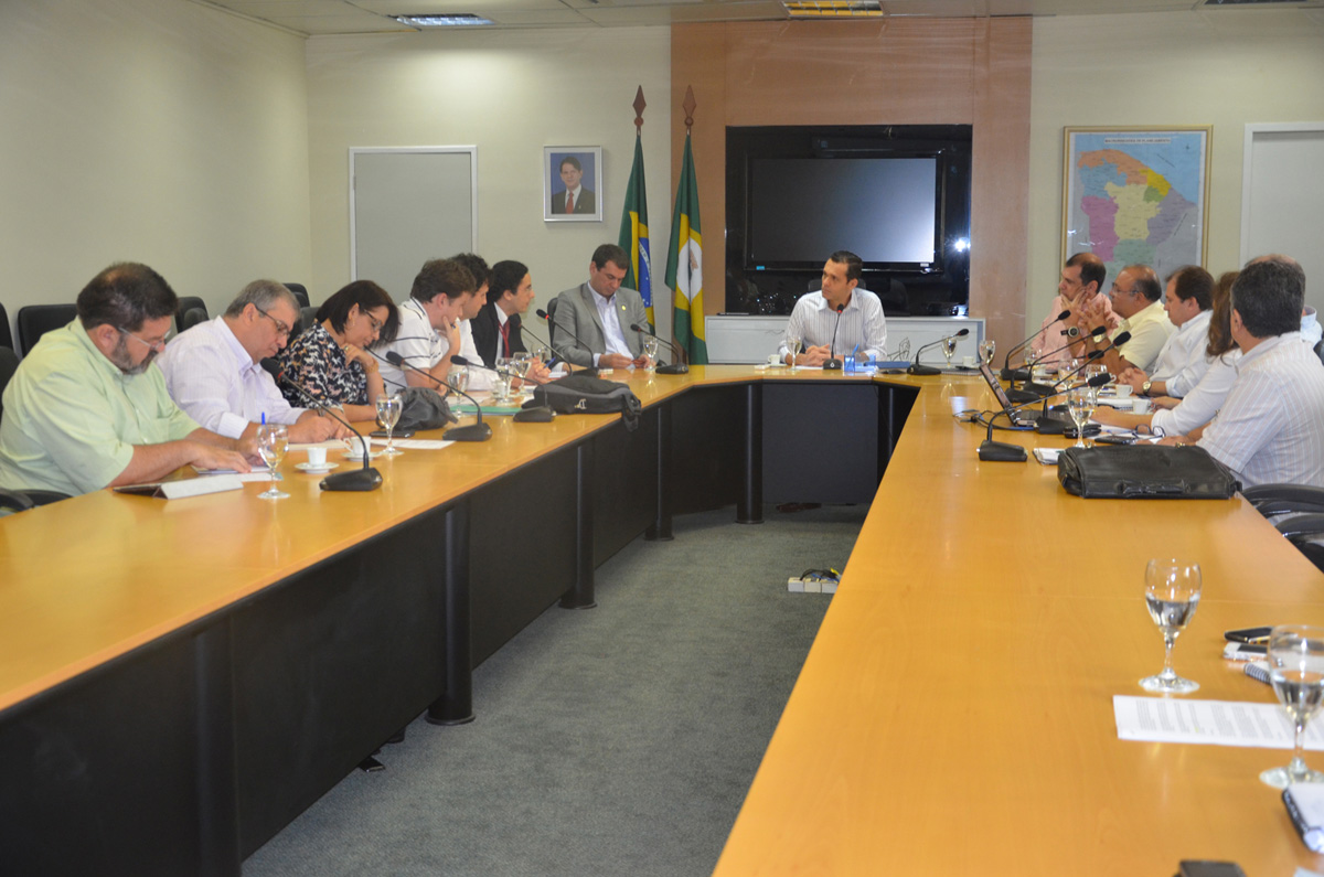 Secretário reúne-se com BNB para direcionamentos do Prodepro