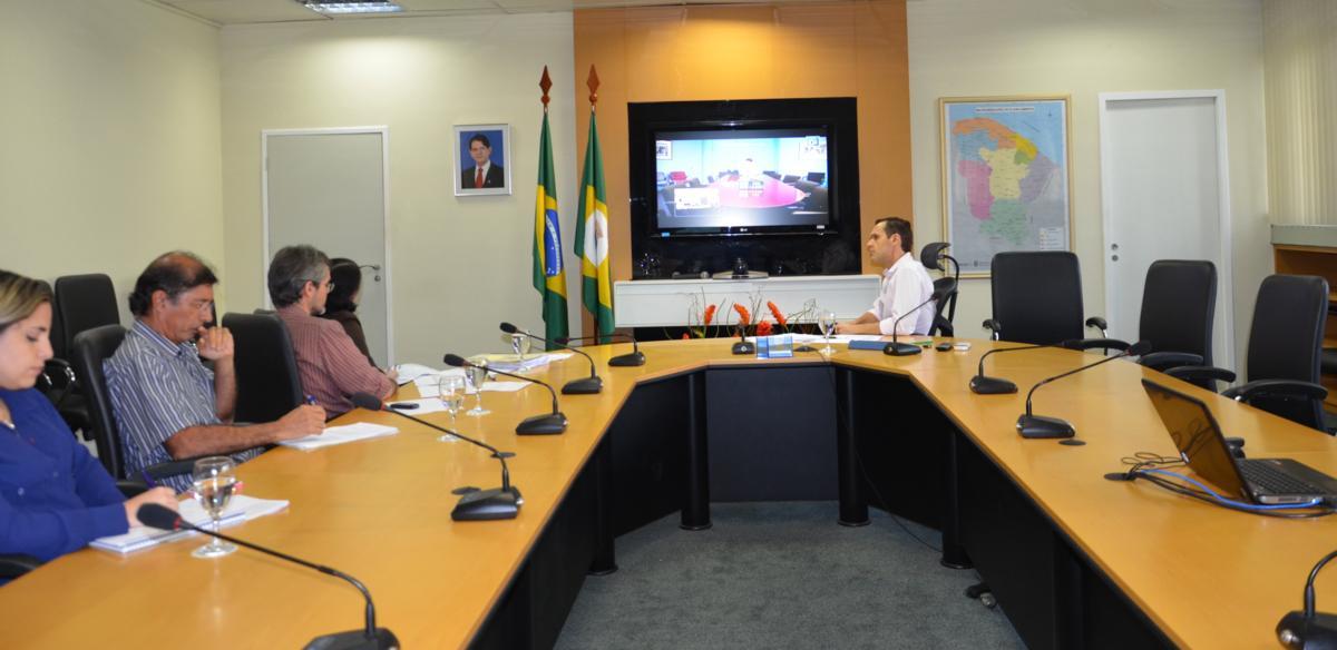 Secretário da SEPLAG reúne-se com gestores do Banco Mundial
