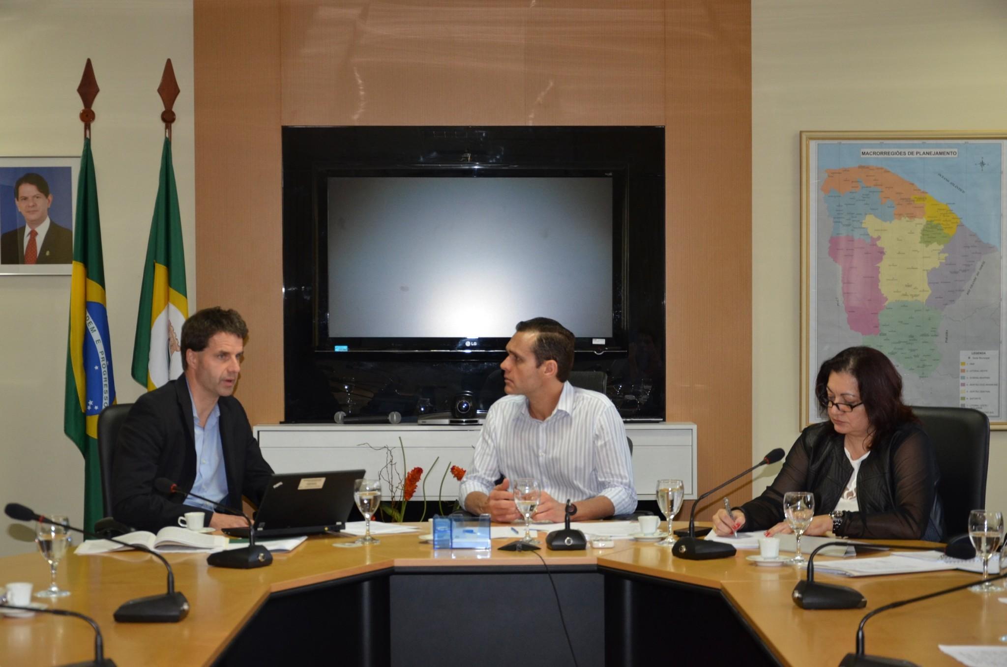 Governo e Bird discutem planejamento estratégico da força de trabalho