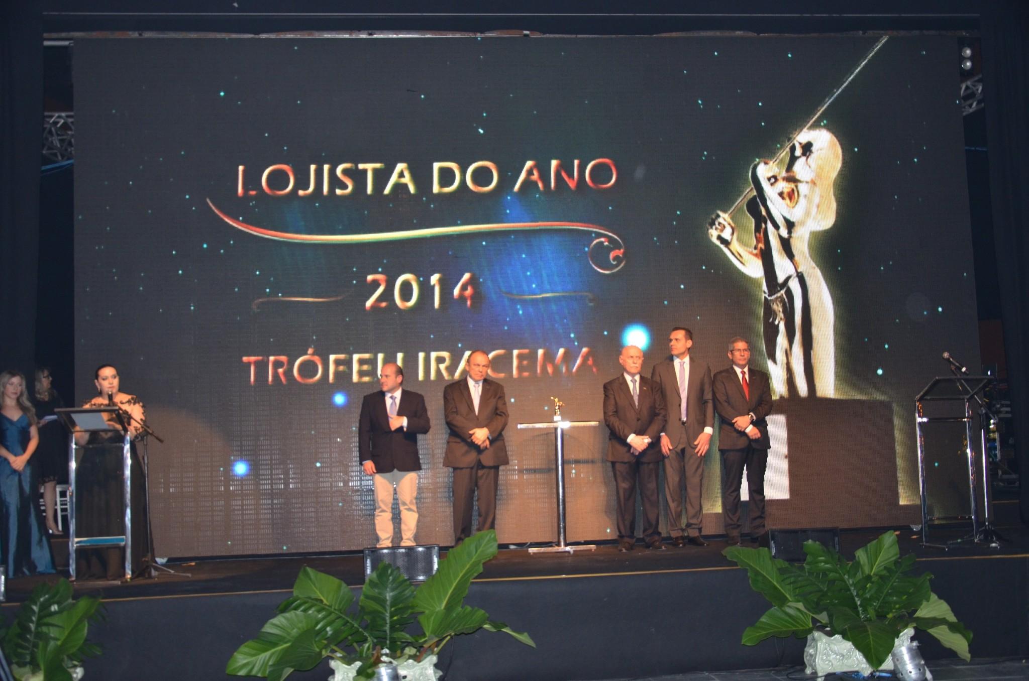 CDL Fortaleza empossa diretoria e entrega Troféu Iracema