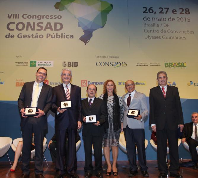 Mérito Consad de Gestão Pública é entregue à ex-presidentes