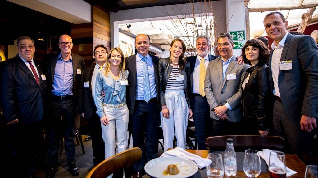 Almoço após entrega do manifesto de apoio à aprovação da PEC 6/19