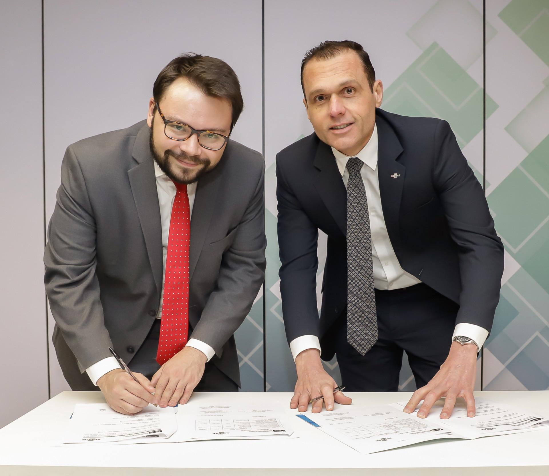 ENAP e Sebrae firmam convênio de cooperação