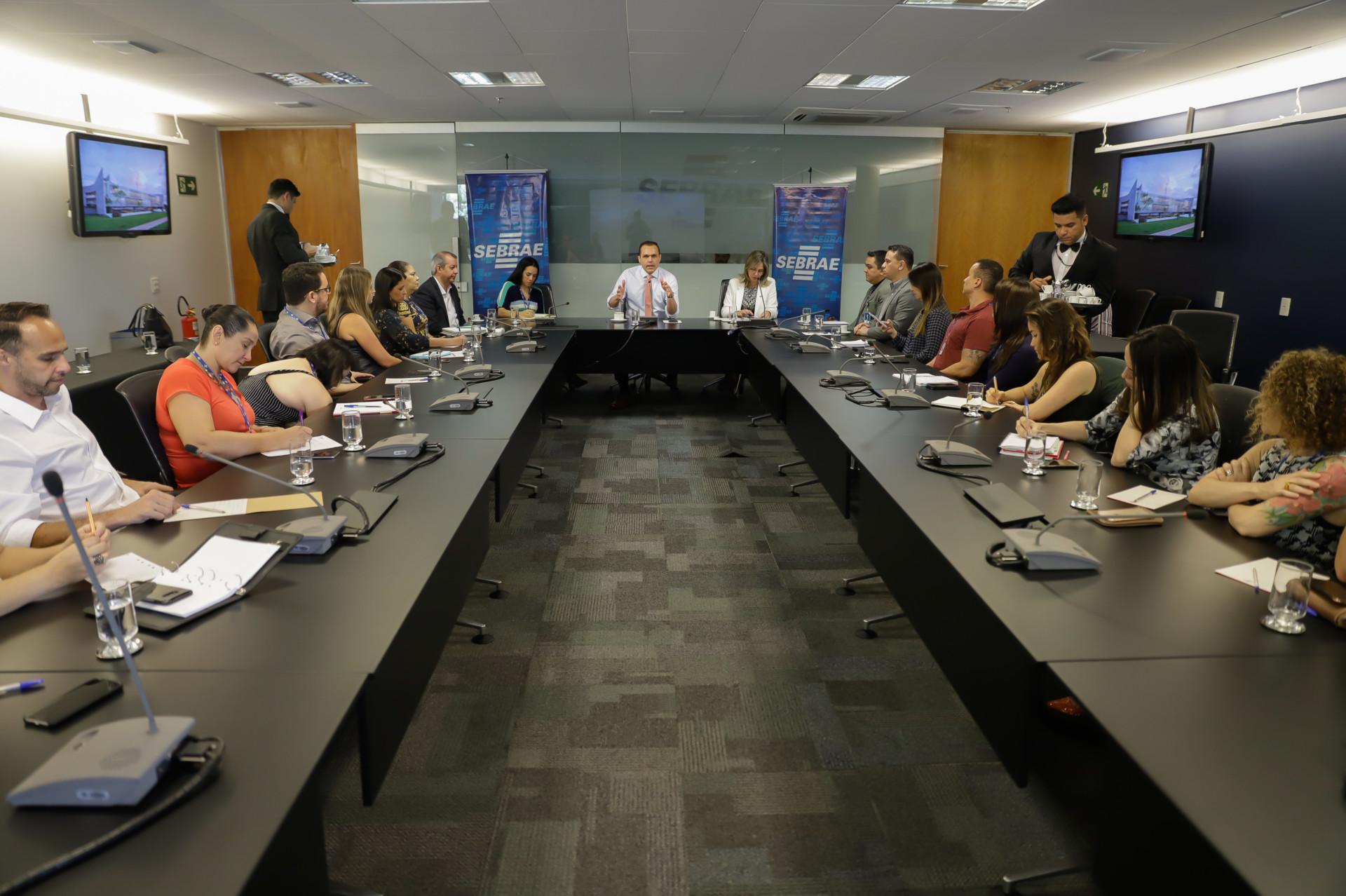Reunião com a equipe da Universidade Corporativa do Sebrae