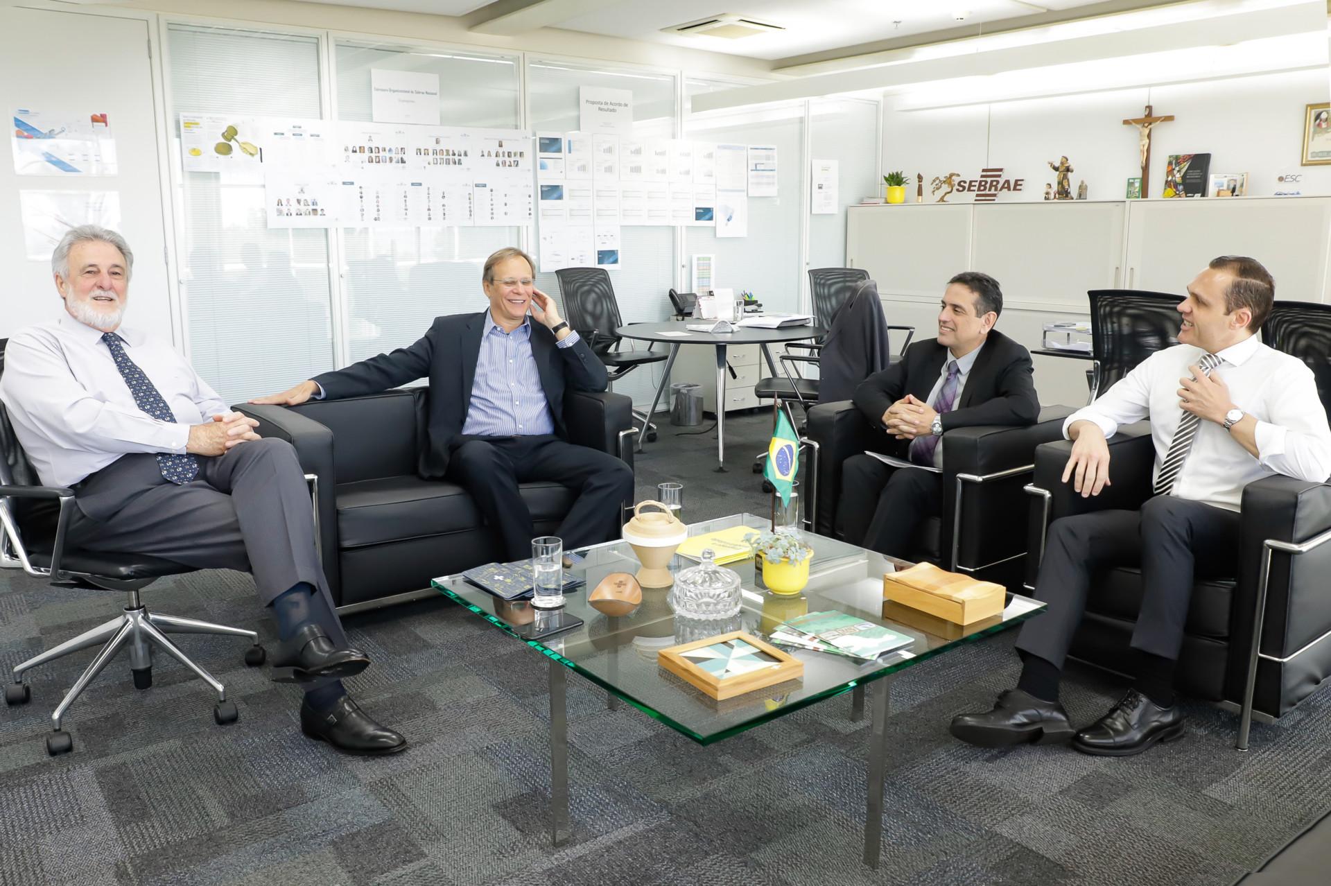 Reunião com Leonardo Rolim