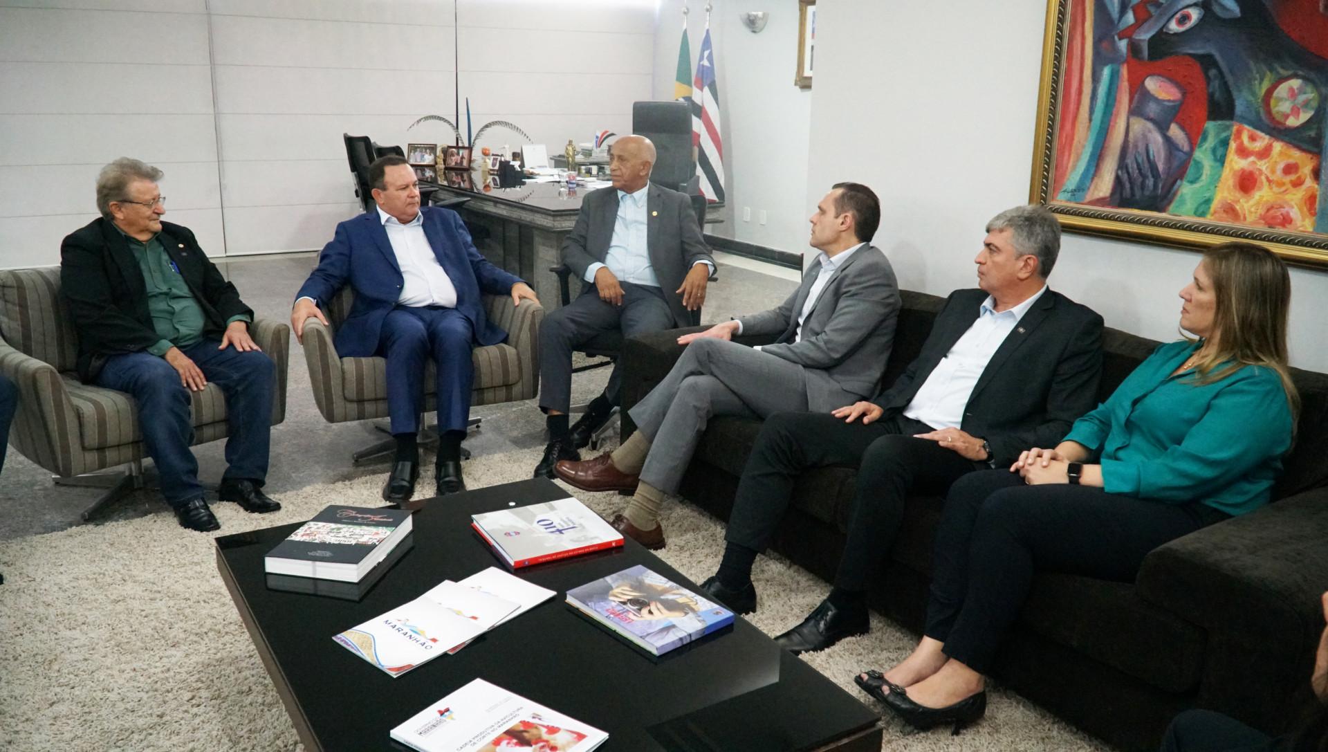 Reunião com o Vice-Governador do MA, Carlos Brandão, no Palácio Henrique de La Rocque