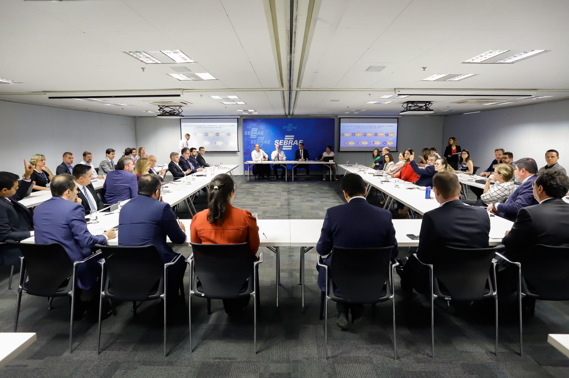 Diretoria se reúne com os gerentes, adjuntos e assessores do do Sebrae Nacional