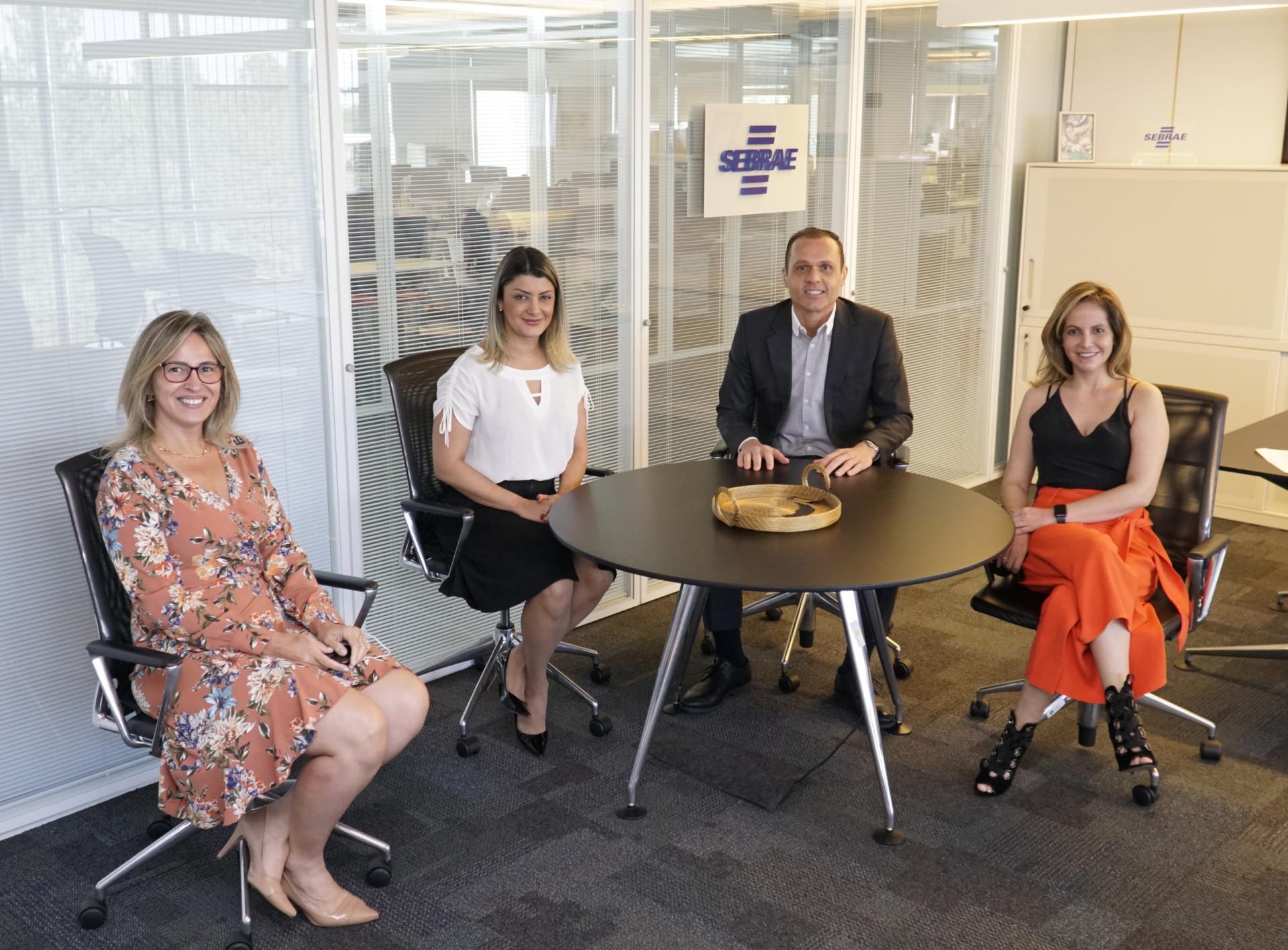 Reunião com Daniela Steffen e Catiane Seif