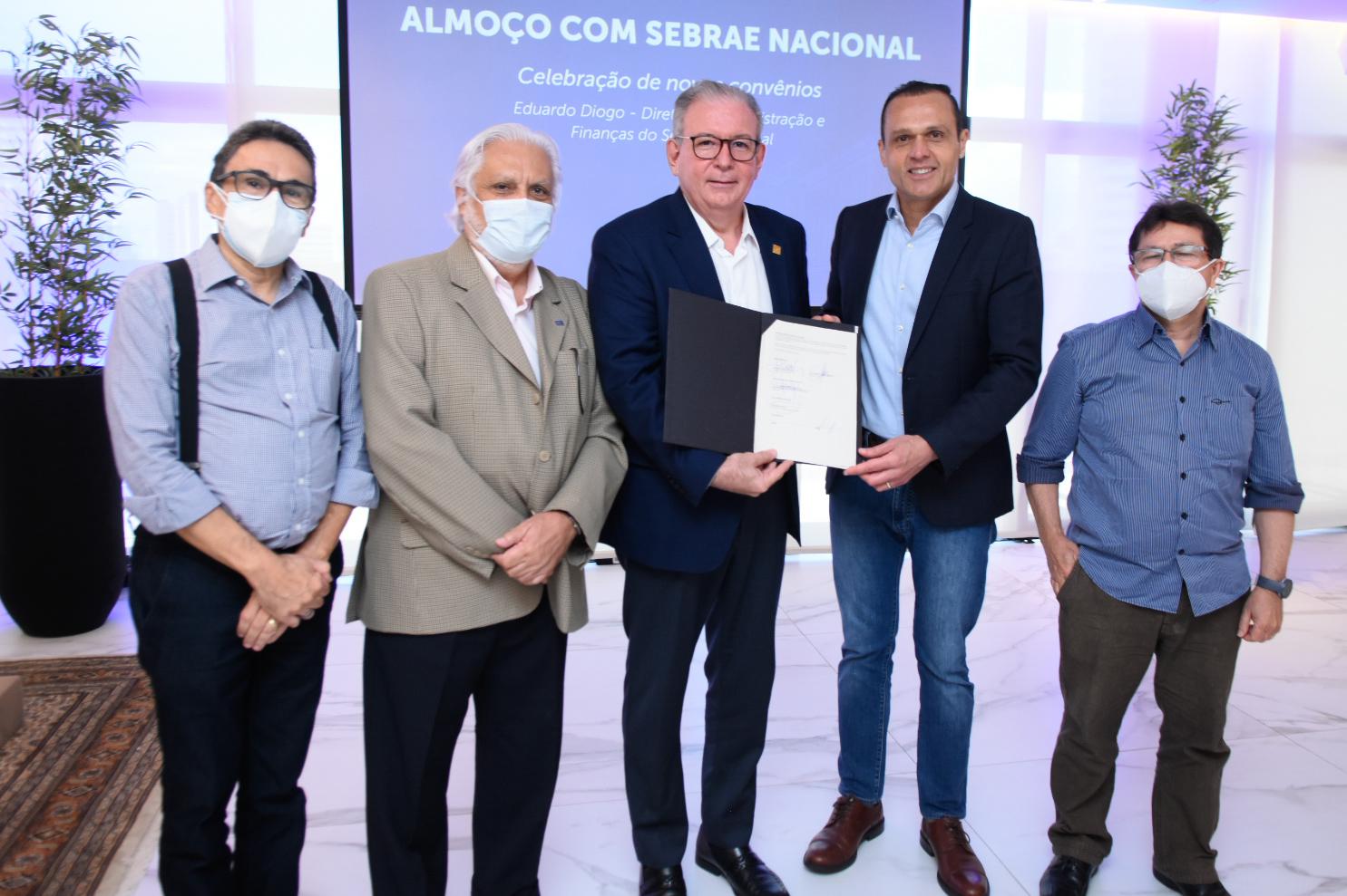 Assinatura do Convênio para Novos Projetos com o Sebrae